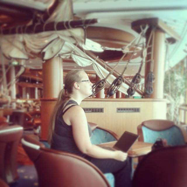 Työntekoa laivalla