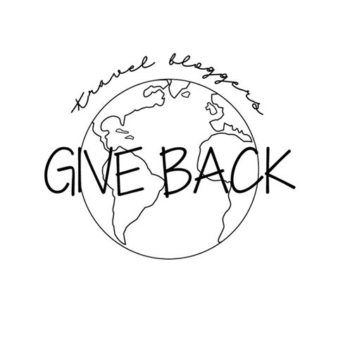 Travel Bloggers Give Back